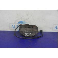 Суппорт задний R правый LEXUS LS460 06-12